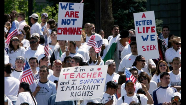 How Immigrants Without Legal Status Can Pay for College