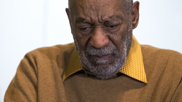 """TV Land Pulls """"Cosby Show"""" Reruns in Wake of Cosby Sex Abuse Claims"""